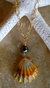 Hawaiian Sunrise and black Tahitian pearl necklace 14/20 gold filled