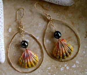 Hawaiian Sunrise Earrings with Tahitian black pearls. 14/20 gold filled
