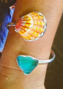 Hawaiian Sunrise Shell bezeled bracelet with sea glass