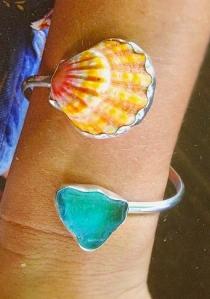 Hawaiian Sunrise Shell bezeled bracelet with sea glass
